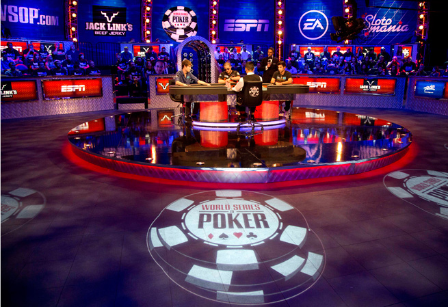 World-series-of-poker featured table